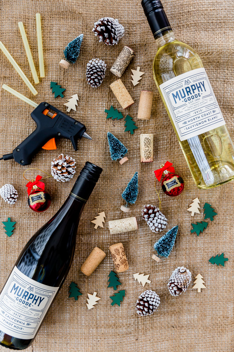 DIY Holiday Wine Stoppers